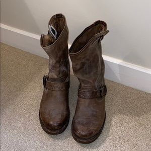 Frye Short Veronica Short Boots